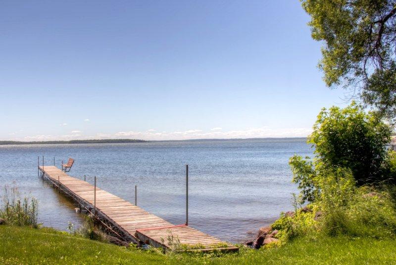 Le quai privé vous permettra de prendre vraiment profiter de tout le plaisir sur le lac
