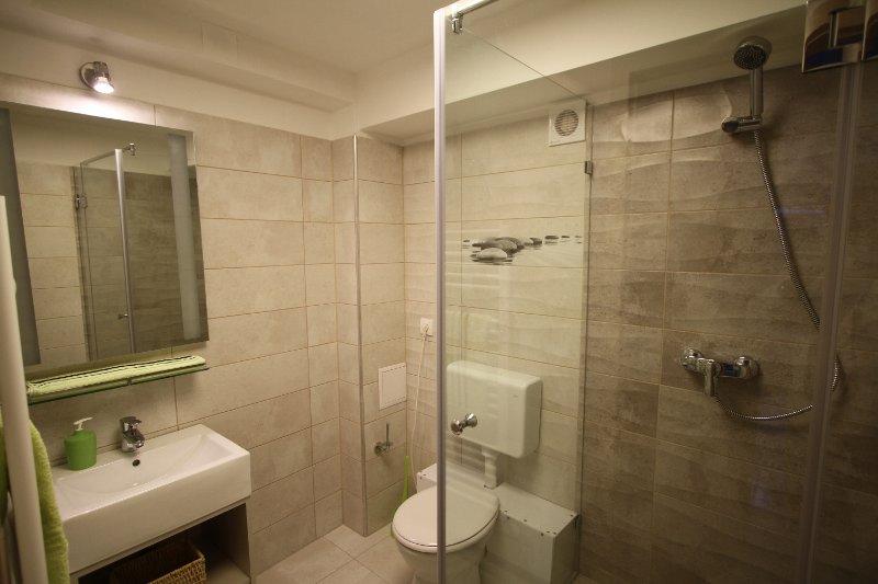 ApNr1 Bathroom