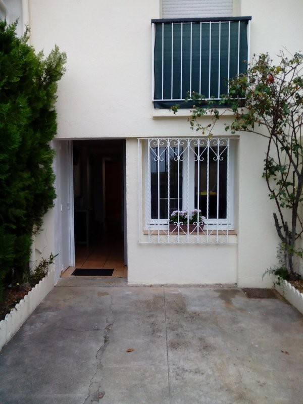 Appartement avec exterieur IDEAL VISA POUR L IMAGE, vacation rental in Rivesaltes
