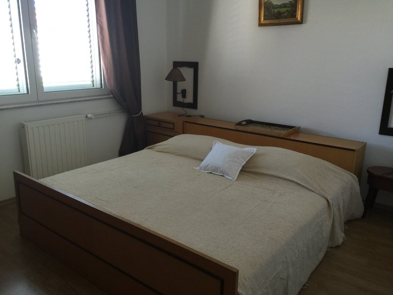 Mare i Kate Appartements, vacation rental in Tribunj