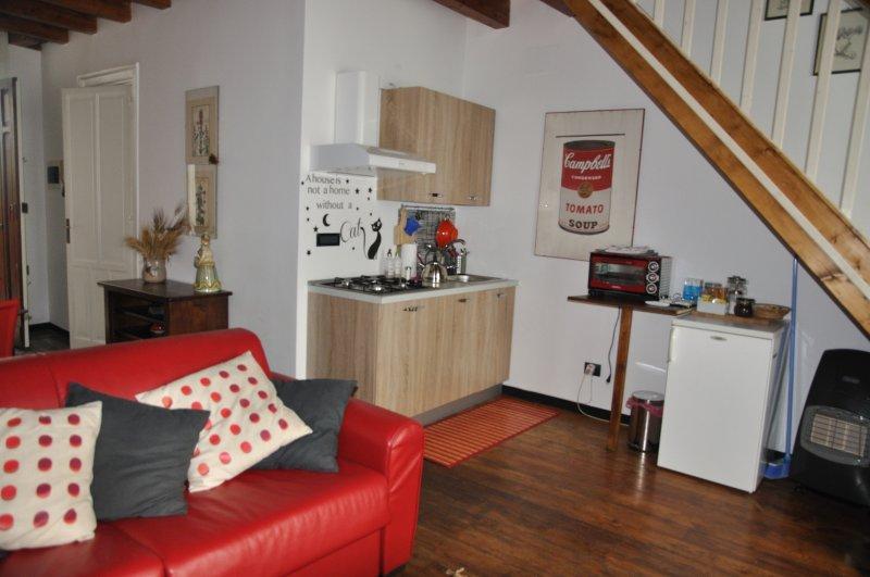 Appartamento Palermo Centro - Casa Colette, holiday rental in Villagrazia di Carini