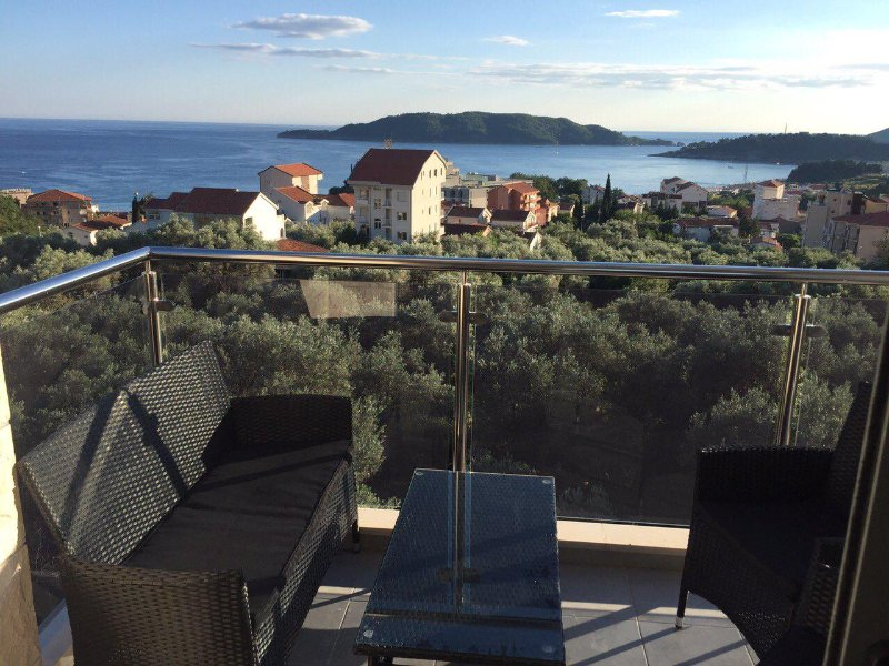 Oliva Lux One Bedroom Apartment, holiday rental in Becici