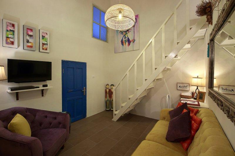Air conditionné Salon avec télévision par câble et lecteur DVD