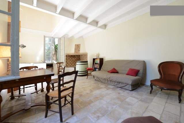 Primer piso con pequeña cocina de «la maison de vendangeurs»