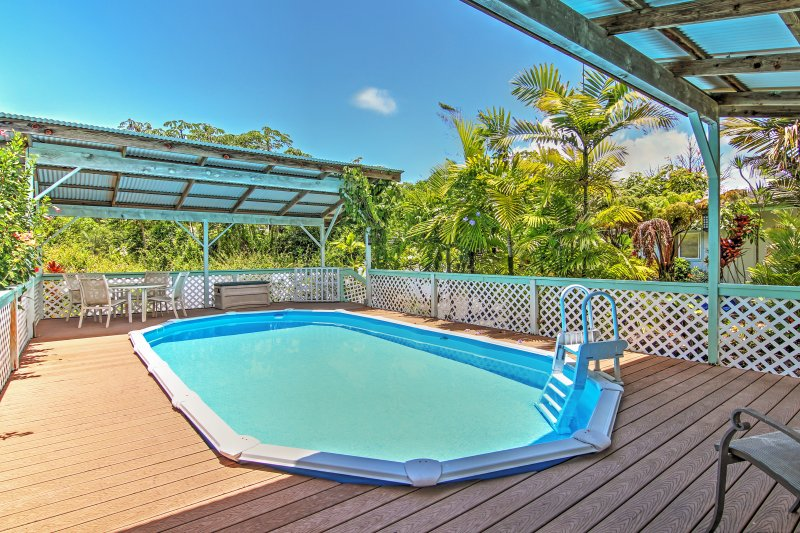 Look forward to many peaceful pool days at this lovely Paradise Park vacation rental home!