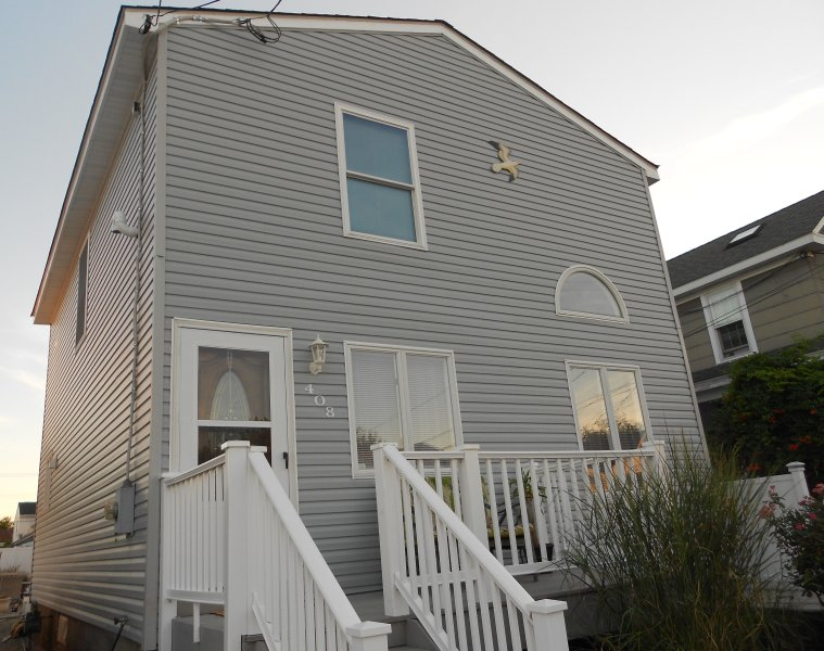 Completely remodeled,  CLEAN, single family HOUSE, vacation rental in Wildwood