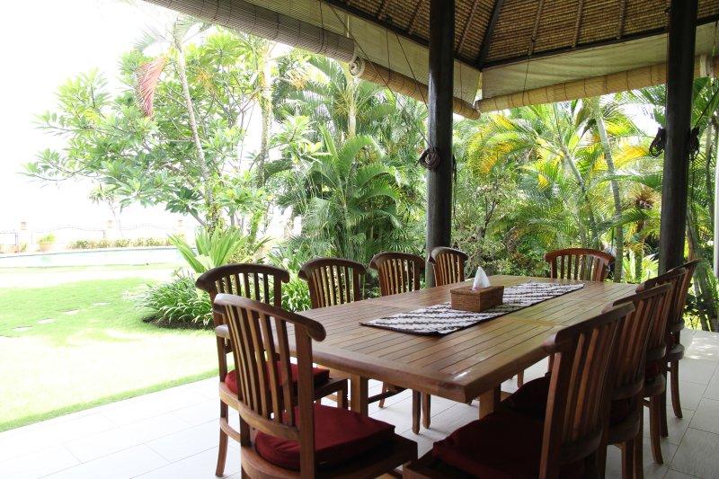 Bahagia Dining Terrace