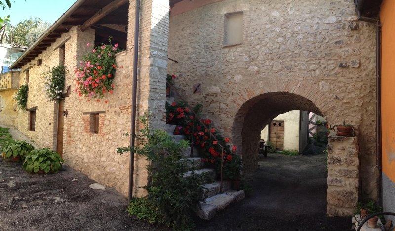 Sotto L Arco casa vacanze in montagna Barete, L Aquila, Gran Sasso Laga Park, casa vacanza a Barete