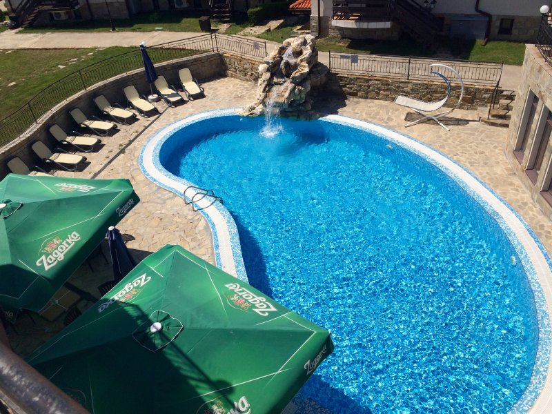 Caribbean Bar pool.