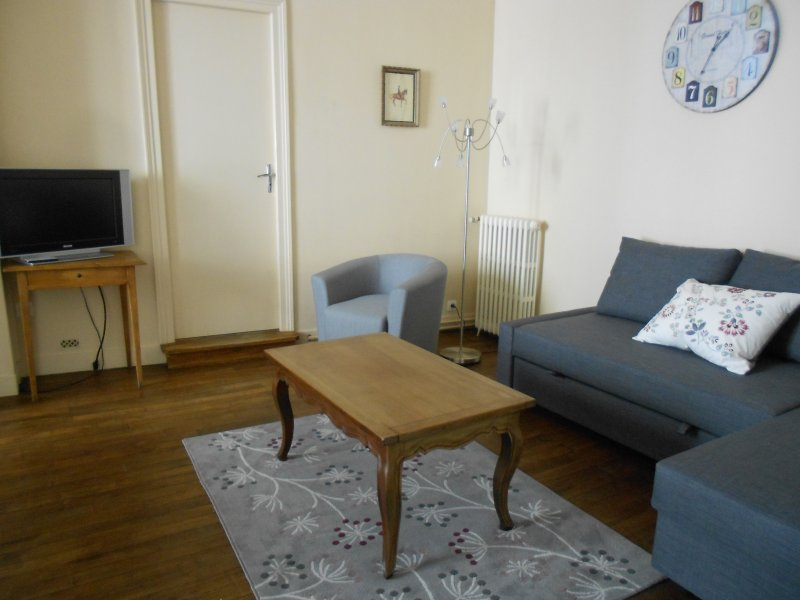 Apartment in the city center - all comfort -close to shops - parking nearby -