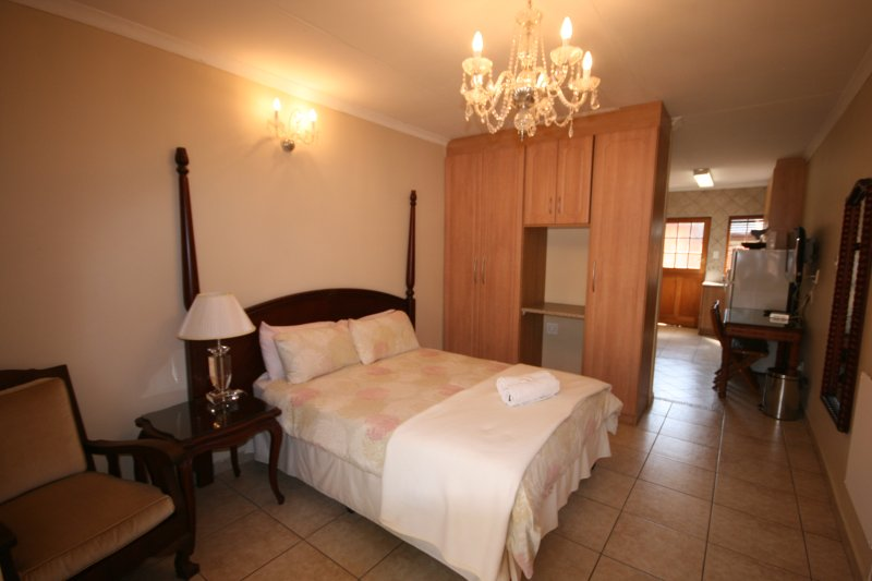 One Bedroom Self-Catering Unit in Fourways, holiday rental in Lanseria