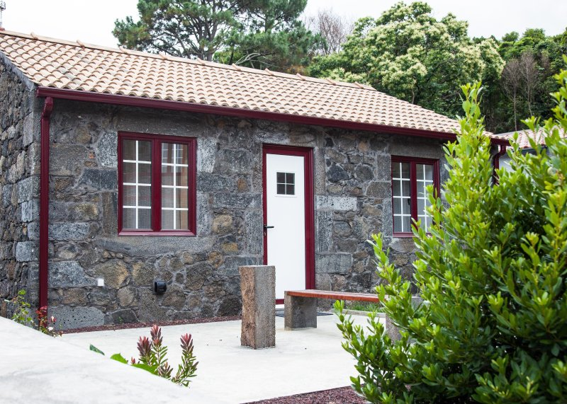Aldeia das Adegas (House T0), holiday rental in Sao Roque do Pico