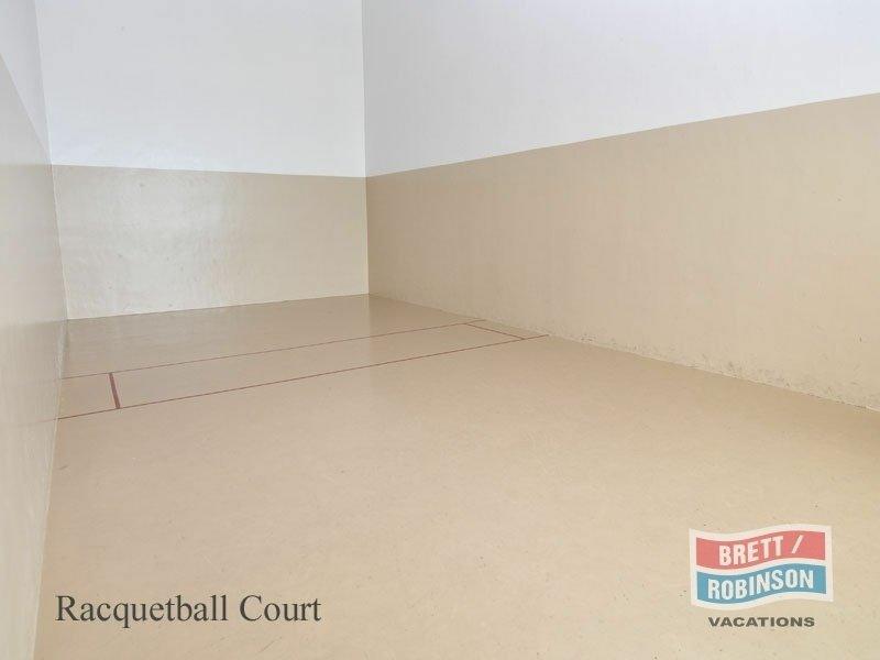 Phoenix East Orange Beach racquetball court.jpg
