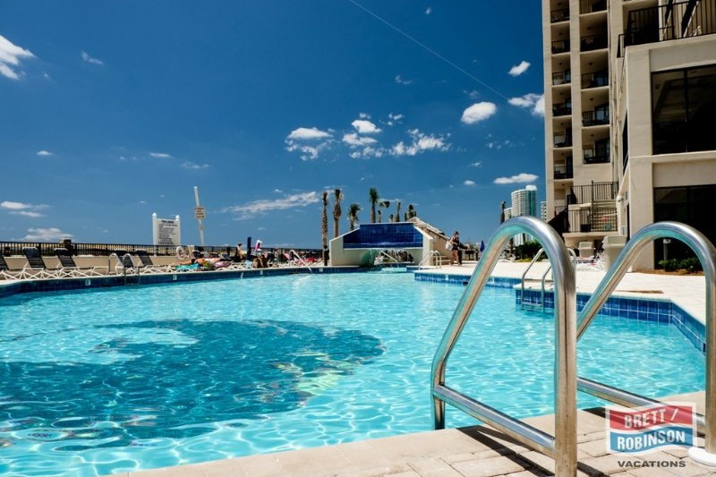 Phoenix East Orange Beach amenities (1).jpg