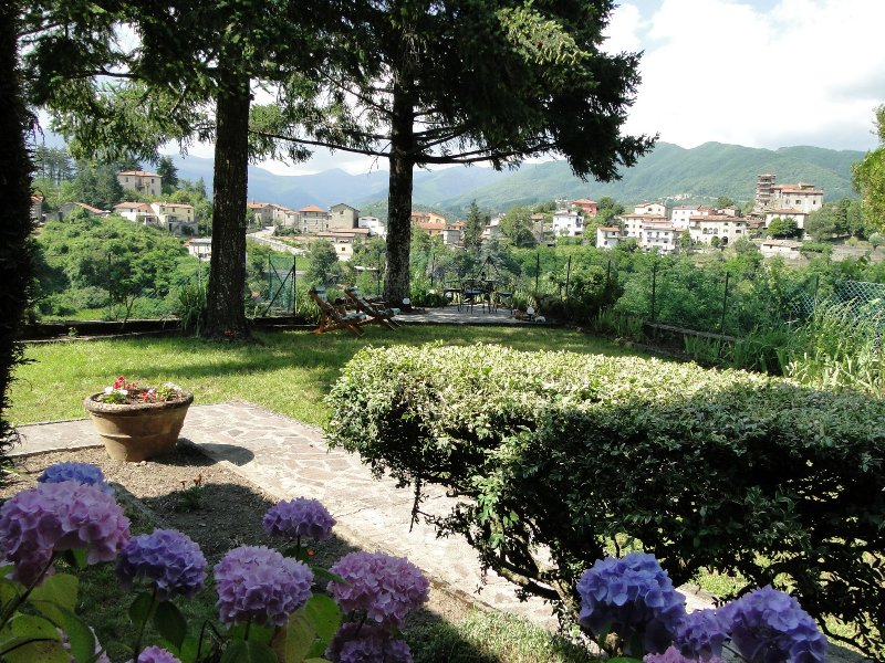 Large spacious garden with views of Casciana, room to relax in sun and shade!