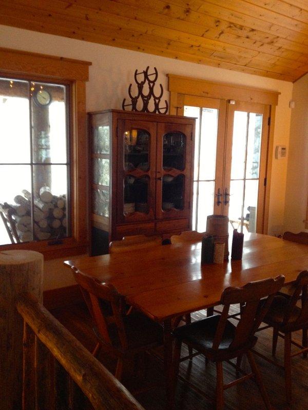 Cabin Dining