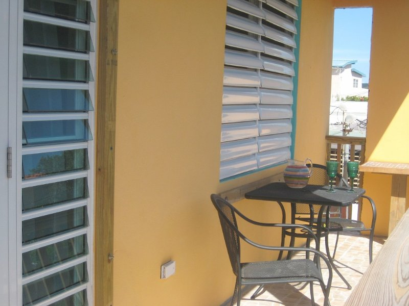 Great Location, Great Breeze, Great Family Spot!, holiday rental in Playa de Guanica