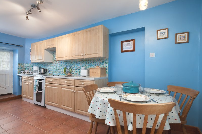 Well equipped kitchen/diner with electric cooker, microwave, washer drier, dishwasher