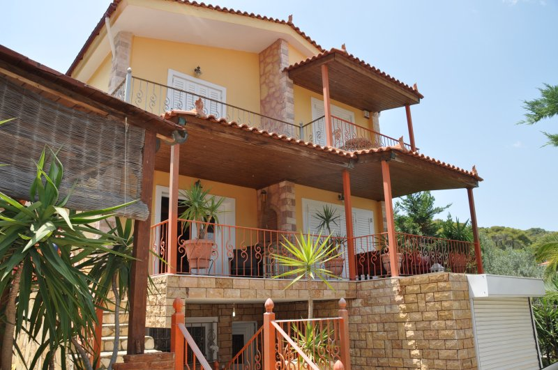 VILLA SARON, holiday rental in Isthmia