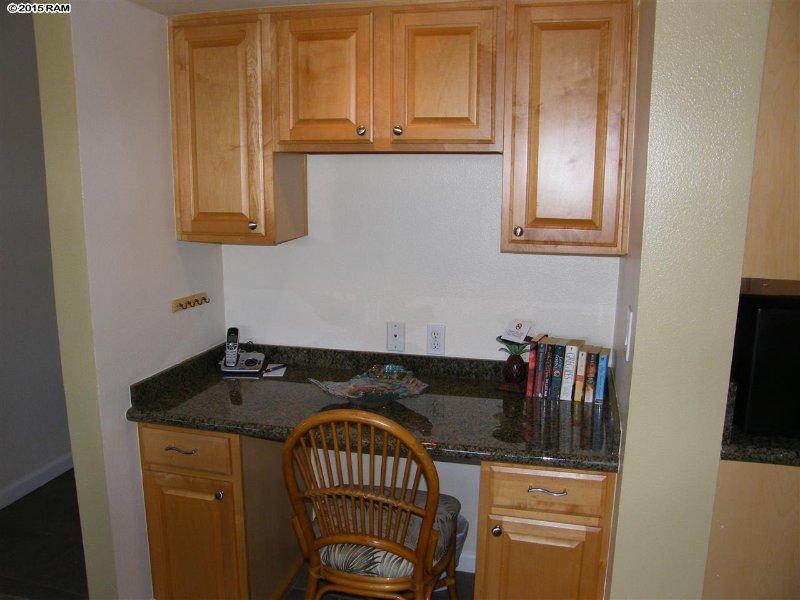 escritorio y más artículos de cocina, café, aperitivos en los armarios! Wi-Fi gratis