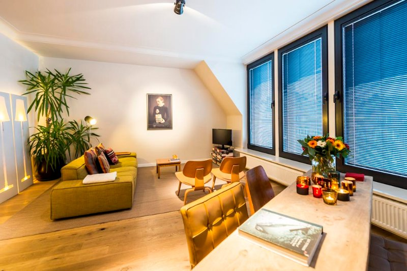 Aplace Antwerp: splendid third floor city flat with a gorgeous view - located in the fashion district area – semesterbostad i Antwerpen