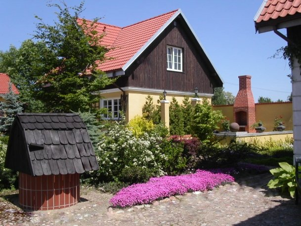 Villa Reglówka. Private house with the fireplace, terrace, garden and river, vacation rental in Warsaw