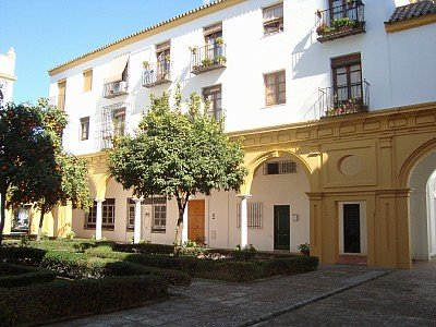 Apart. en antiguo convento + parking, holiday rental in Jerez De La Frontera