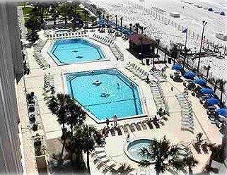 Large pools, hot tub and kiddie pools