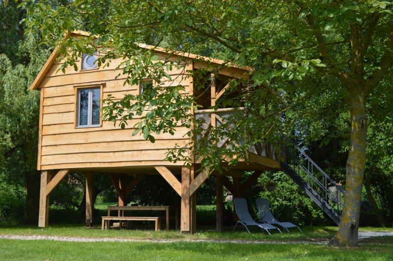 Cabane de charme sur pilotis, holiday rental in Delettes