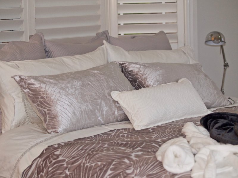 Luxurious King Size Bed with high quality linen