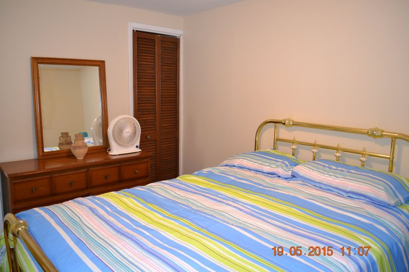 second bedroom for kids and friends