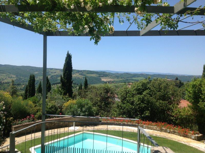 I Casaloni, apartment La Terrazza., holiday rental in Lucarelli
