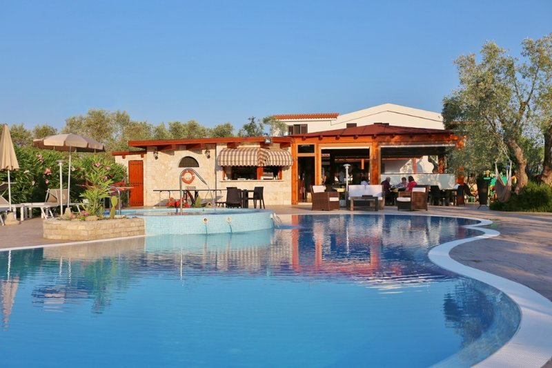 Holiday Home 'I Tesori del Sud' with pool in Puglia, Italy - 3-roomed 5 persons, casa vacanza a Palude Mezzane