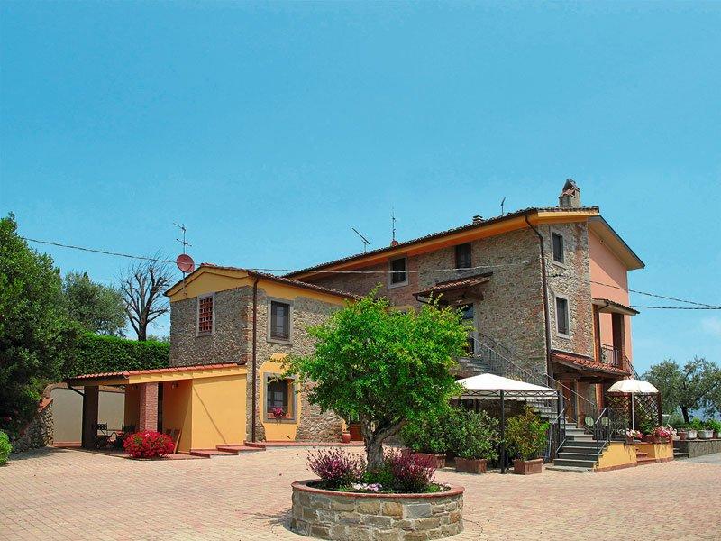 Casa Vacanze I Colletti Il SOLE, holiday rental in Luciani