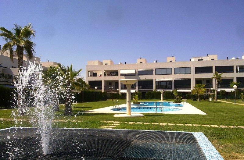 duplex en Alicante golf 3 hab 3 baños, vacation rental in Tibi