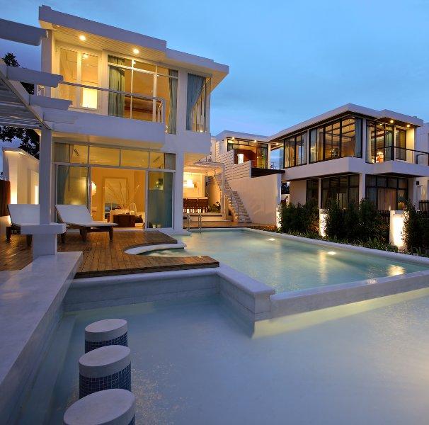 Luxury3Bedrooms Beachfront Pool Villa at Pranburi, vacation rental in Prachuap Khiri Khan
