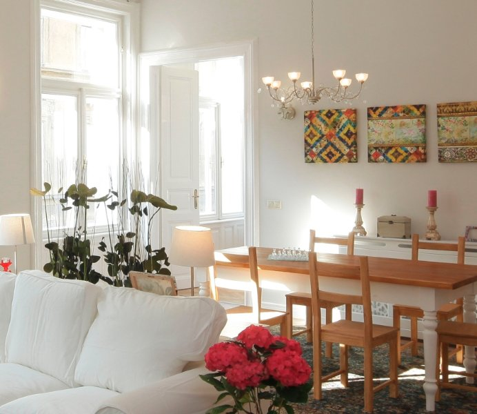 Victoria Rooms, 3 Bed & 3 Bathrooms Central Free Parking, vacation rental in Budapest
