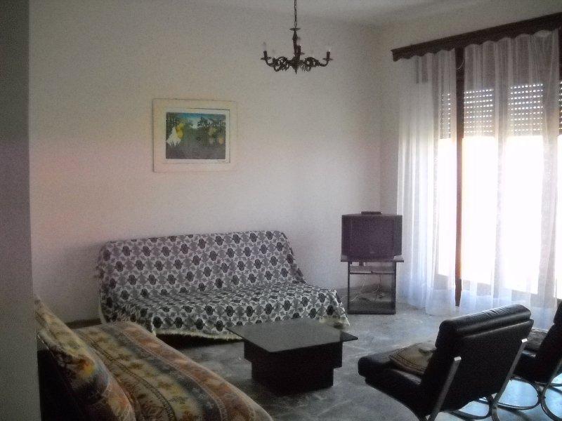 SICILE - 50M DE LA PLAGE, FACE ILES EOLIENNES, holiday rental in Castroreale