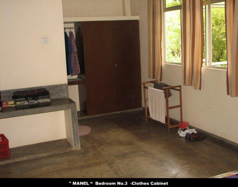 """""""MANEL"""" Schlafzimmer No 3 Kleiderschränke."""