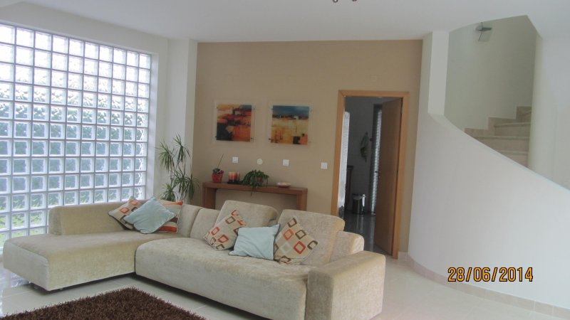 Beautiful House with Pool and Golf, location de vacances à Quinta Do Conde
