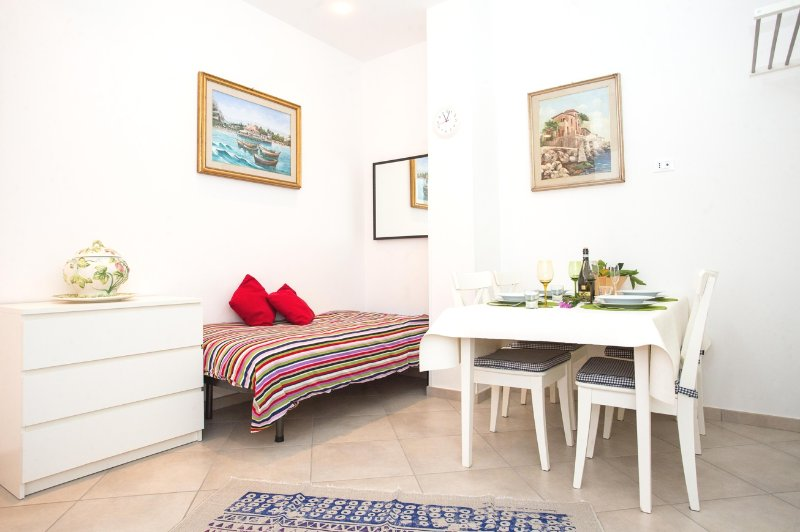 Appartamento 'Silvia', vacation rental in Raffo