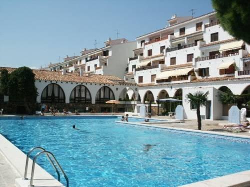 Apartamento con jardin,terraza con piscina y playa, holiday rental in Alcala de Xivert