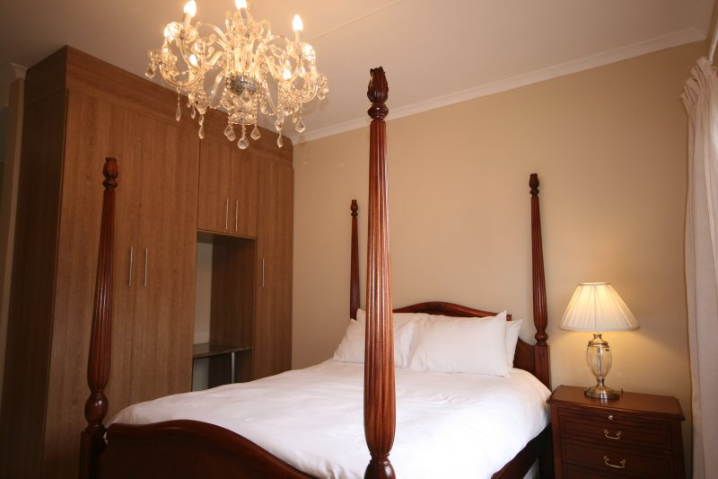 One bedroom self-catering unit in Fourways, Jhb, holiday rental in Lanseria