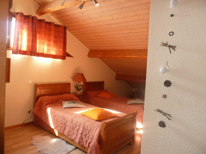 Le SIVAROL Chambre d'hotes : Ourson, location de vacances à Ax-les-Thermes