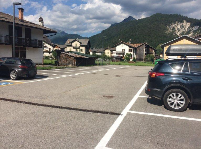 Parking gratuit (gratuit) à environ 150 mètres