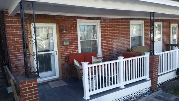 Renovated beach Townhome patio 3 bedrms/2 bath, aluguéis de temporada em Somers Point