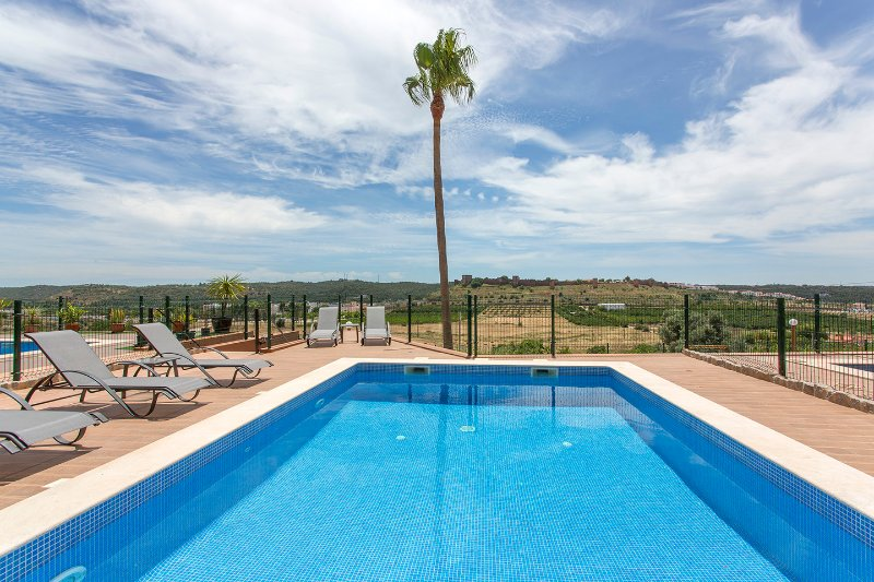 Charming Townhouse in Silves, Algarve, Ferienwohnung in Silves