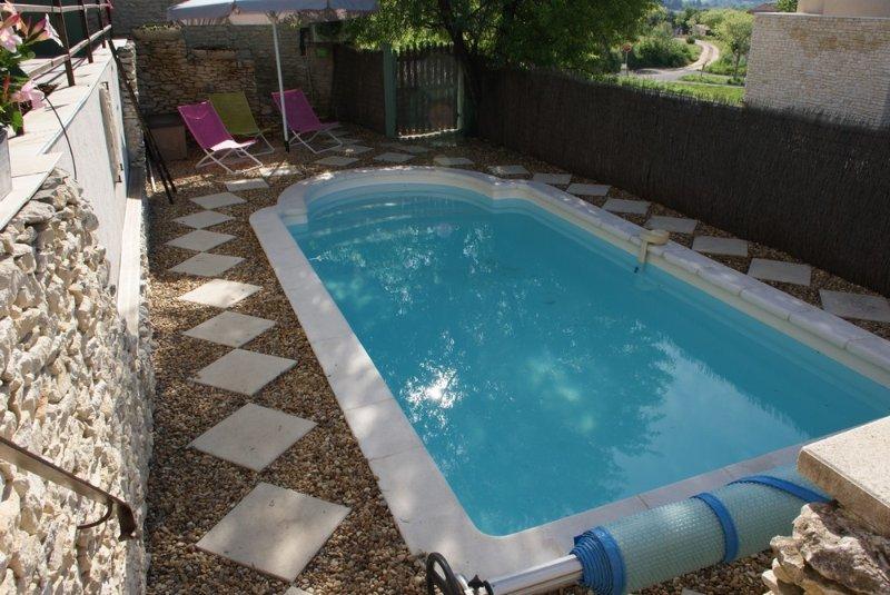 Villa avec piscine à Joucas - Gordes, holiday rental in Joucas