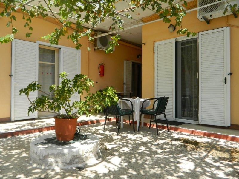 Logaras Apartments, location de vacances à Vathy