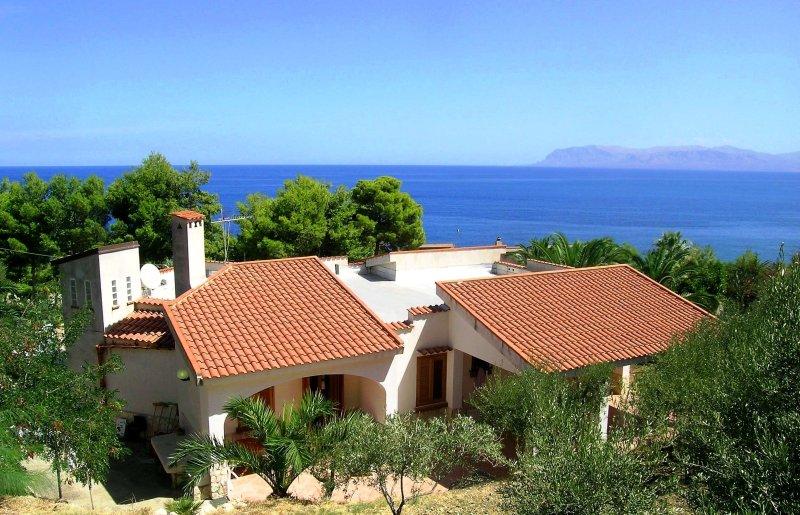 Sicily holiday villa by the sea, holiday rental in Scopello